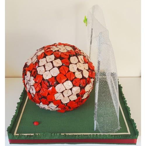 Futbolo kamuolis - saldainių kompozicija Skanios Gėlės