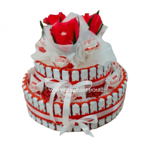 Naomi - tortas iš saldainių