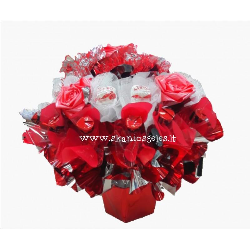 Raudona rožė - puokštė iš saldainių