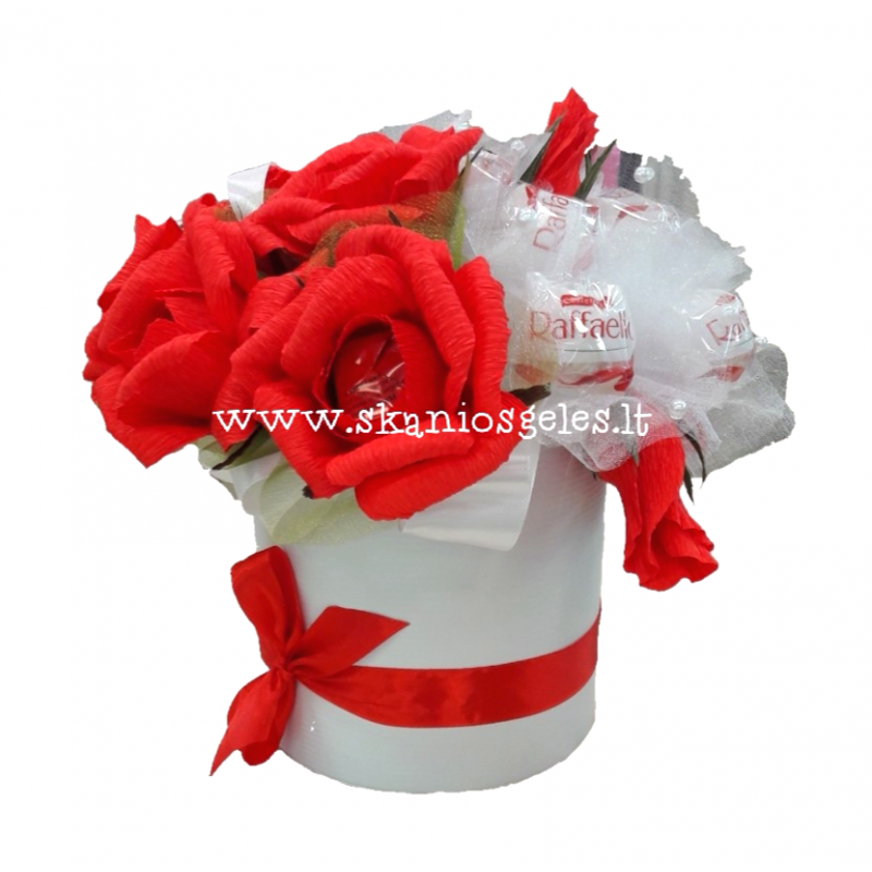 Rožių jūra - puokštė iš saldainių