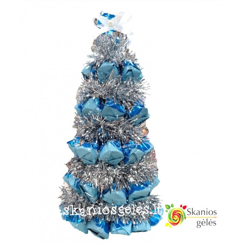 Mėlyna eglė puokštė iš saldainių