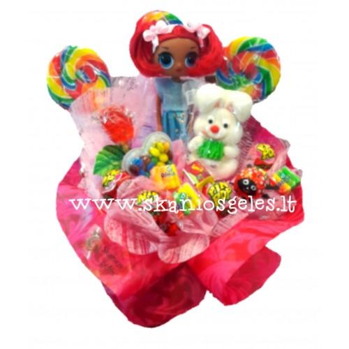 Lėlė - 3 puokštė iš saldainių