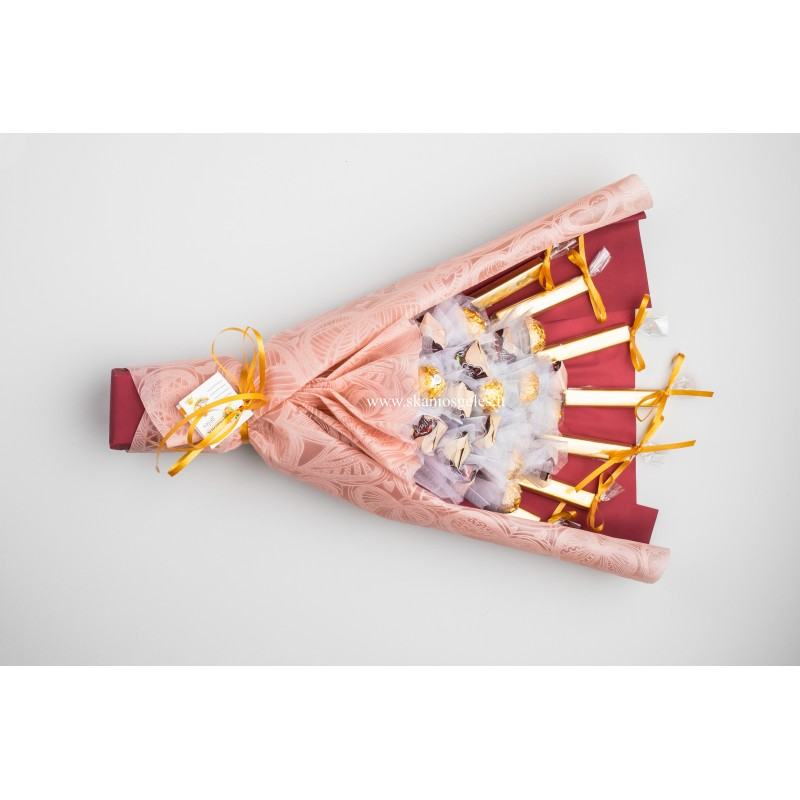 Grand Luxury-3 puokštė iš saldainių