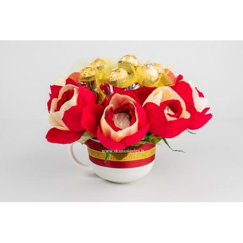 Komplimentas - saldainių kompozicija Skanios gėlės