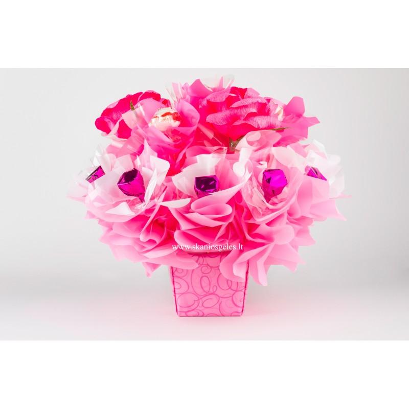 Rožinė svajonė - puokštė iš saldainių Skanios gėlės